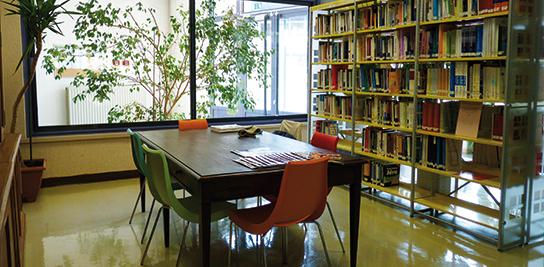 La bibliothèque de MINES ParisTech à Sophia Antipolis (crédit photo : Sylvie Michel)